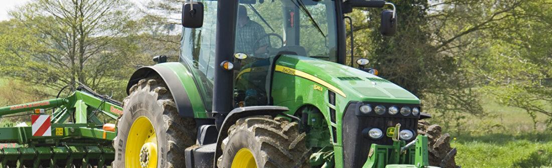 Права на трактор и стоимость обучения в Москве